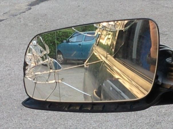 La truffa del finto specchietto rotto