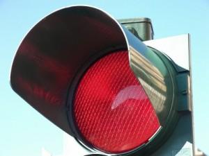 Napoli, l'interpretazione del semaforo rosso? Una spia sociale